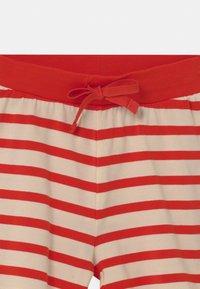 Mini Rodini - STRIPE UNISEX - Shorts - red - 2