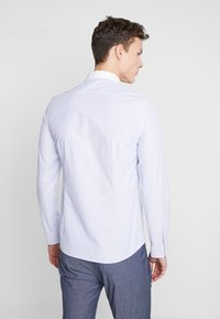 Shelby & Sons - PORTLAND SHIRT - Camicia elegante - white & blue - 2