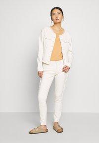 Expresso - DUNJA - Slim fit jeans - milchweiß - 1