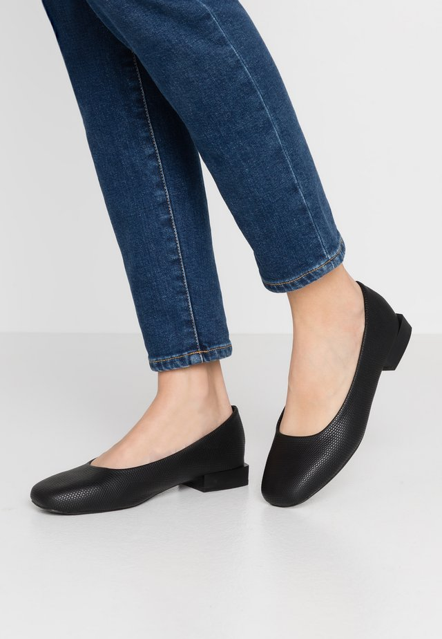 SQAURE TOE LOW BLOCK FLAT SHOE - Ballerines - black