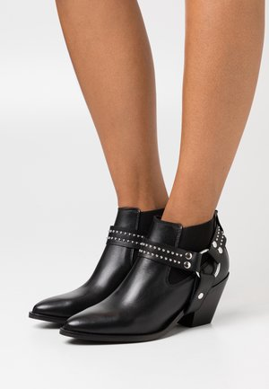 YASLILLIE - Ankle boots - black