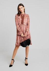 YAS - YASTURA DRESS - Day dress - port royale - 2