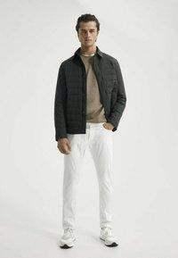 Massimo Dutti - Slim fit jeans - white - 1