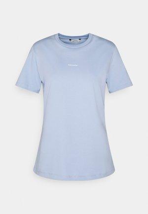 SUZANA TEE - Basic T-shirt - light blue