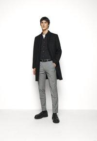 HUGO - Koszula biznesowa - black - 1