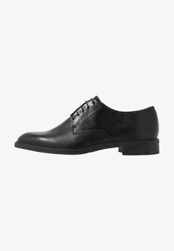 FRANCES - Šněrovací boty - black