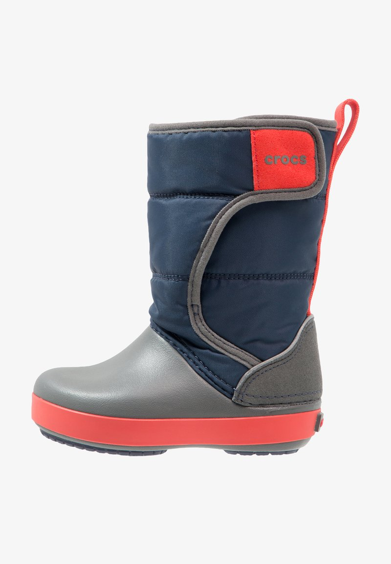 Crocs - LODGEPOINT BOOT RELAXED FIT - Vysoká obuv - navy/slate grey