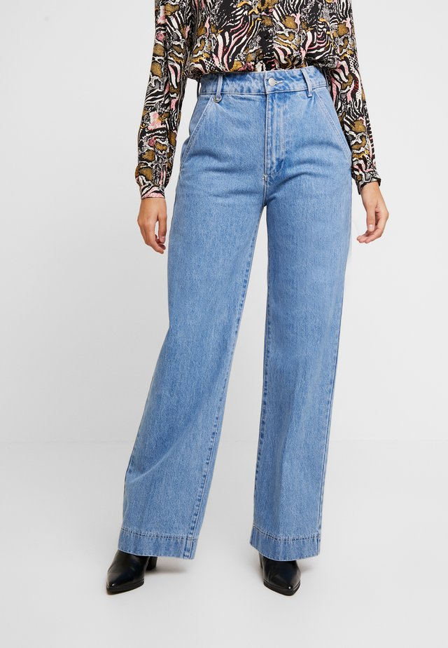 MAGAZINE PANT - Flared jeans - light blue denim