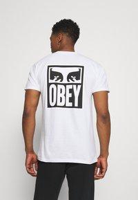 Obey Clothing - EYES ICON - Printtipaita - white - 2