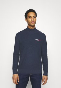Tommy Jeans - TJM SMALL LOGO SWEATER - Maglione - twilight navy heather - 0