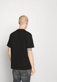 Hoodrich - DRIP - Print T-shirt - black/red - 2