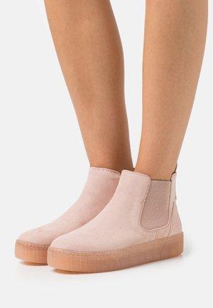 Kotníkové boty na platformě - rose