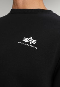 Alpha Industries - BASIC SMALL LOGO - Sweatshirt - black - 4