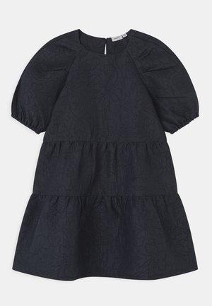 NKFHALAST - Koktejlové šaty/ šaty na párty - dark sapphire