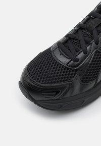 ASICS SportStyle - GEL-1130 UNISEX - Sneakers basse - black/graphite grey - 5