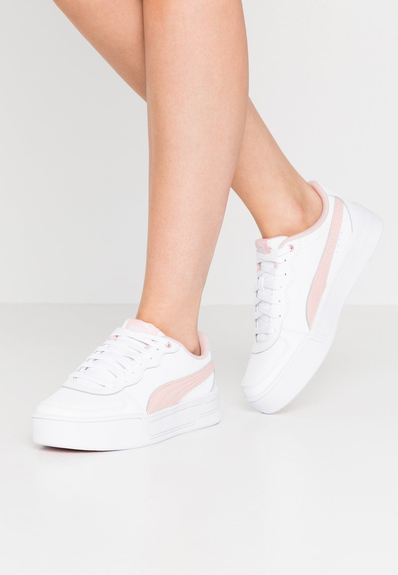 Puma - SKYE - Baskets basses - white/peachskin