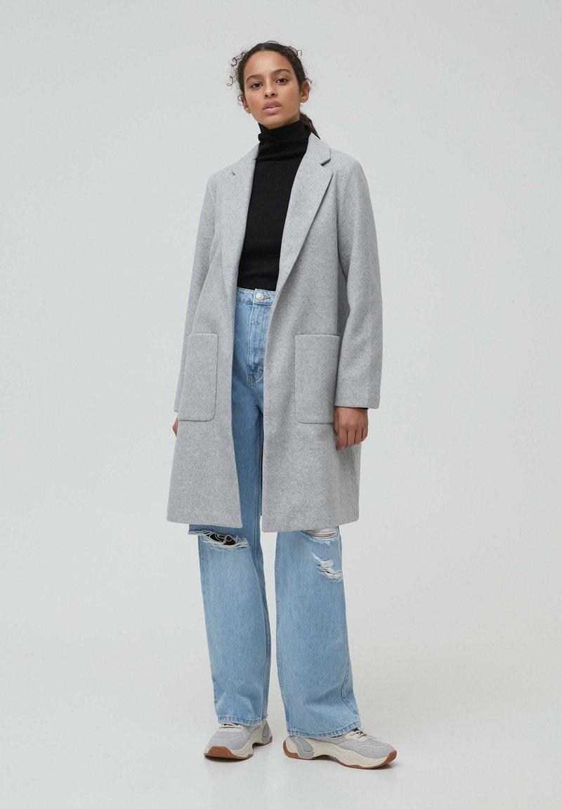 PULL&BEAR - Zimní kabát - grey