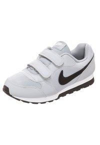 Nike Sportswear - MD RUNNER 2 BPV - Trainers - grey - 2