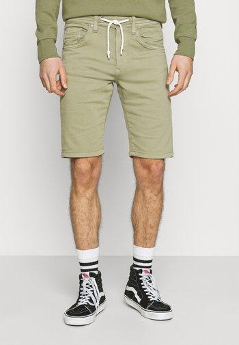 JAGGER  - Denim shorts - palm green