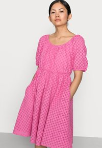 YAS Petite - YASVOLANT DRESS  - Cocktail dress / Party dress - azalea pink - 4