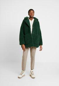 Monki - MALOU - Zimní kabát - green - 1