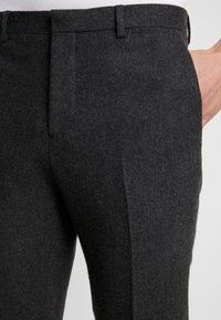 Shelby & Sons - BEMBRIDGE TROUSER - Trousers - charcoal - 4