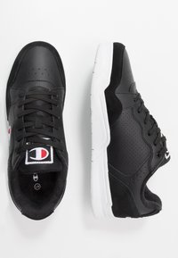 Champion - LOW CUT SHOE TORONTO - Koripallokengät - black - 1
