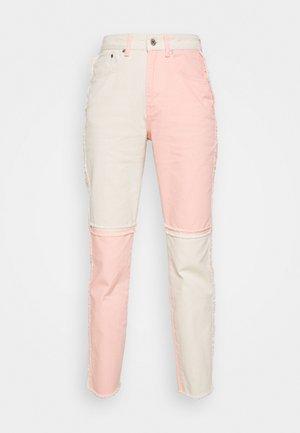 CARNIVAL  - Straight leg jeans - pink/beige