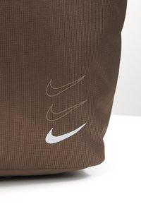 Nike Sportswear - ADVANCED - Handbag - olive grey/enigma stone/white - 3