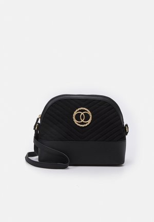 FLORA QUILTED KETTLE - Across body bag - black