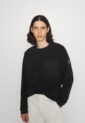 ALL TERRAIN POCKET CREW - Fleece jumper - black