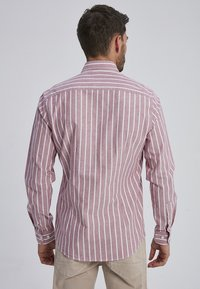 Auden Cavill - MARVIC - Shirt - bordeaux - 1