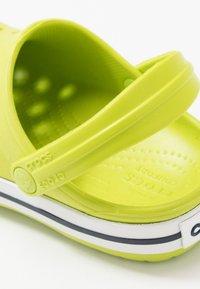Crocs - CROCBAND CLOG - Sandalias planas - lime punch - 2