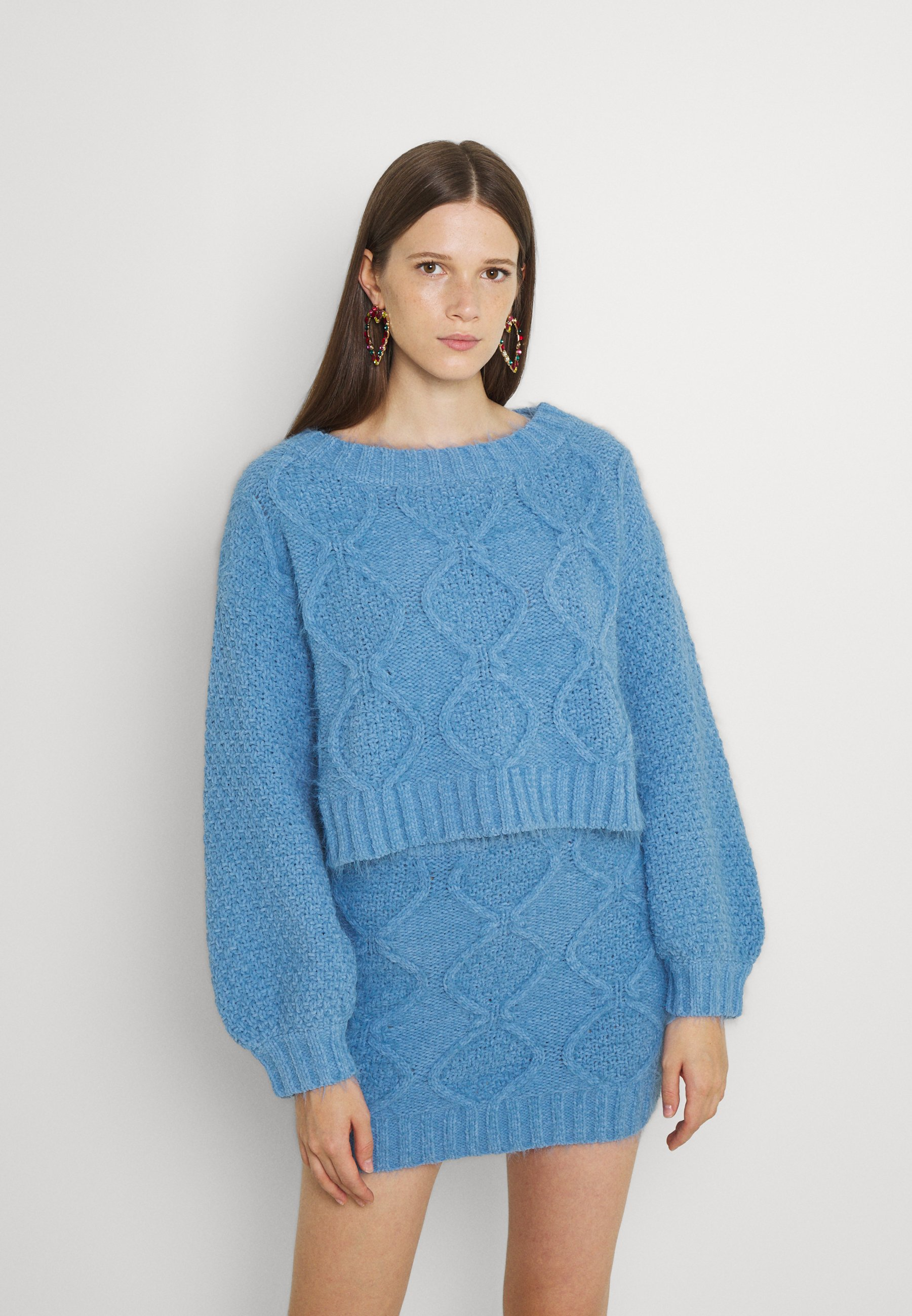 Femme KNITTED CROP BOAT NECK - Pullover