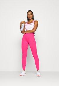 Nike Performance - ONE - Medias - hyper pink/white - 1