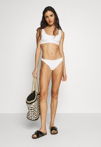 Weekday - BLISS SWIM - Bikiniöverdel - off white - 1
