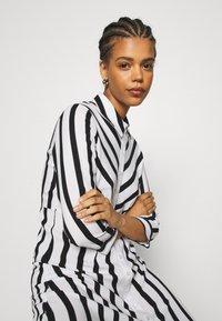 YAS - YASSAVANNA  - Shirt dress - black/white - 5