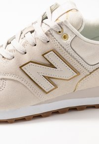New Balance - WL574 - Matalavartiset tennarit - beige - 2