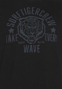 s.Oliver - KURZARM - T-shirt imprimé - black - 2