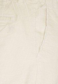 Tommy Hilfiger - CHUNKY PANTS UNISEX - Trousers - light silt - 2