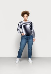 Pieces Curve - PCRIA NEW TEE - Long sleeved top - bright white/maritime navy - 1