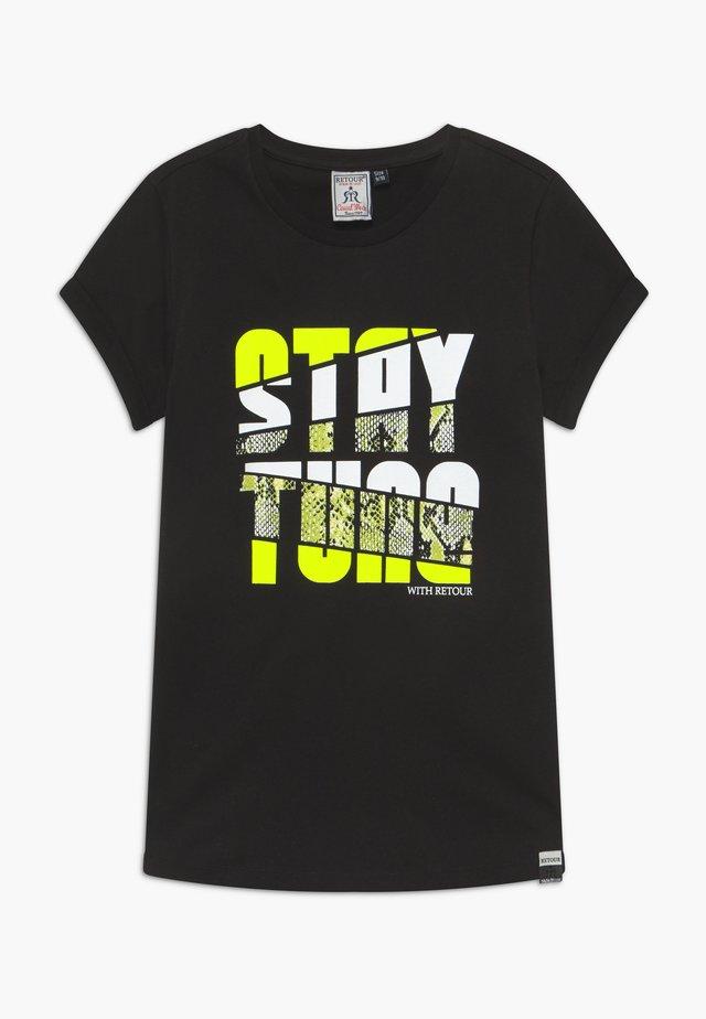 ROBYN - T-shirts med print - black