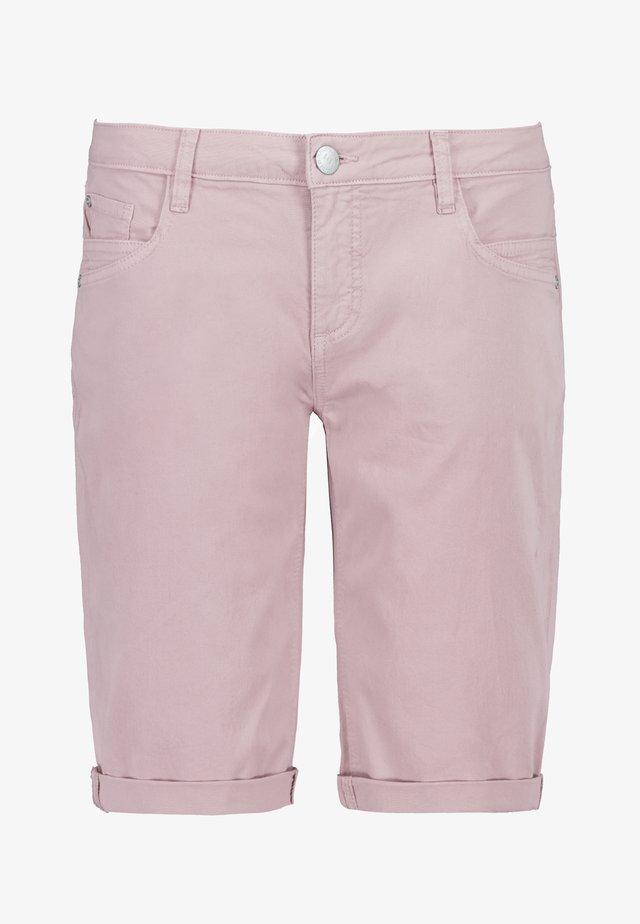 CHINO-BERMUDA - Jeans Shorts - light-rose
