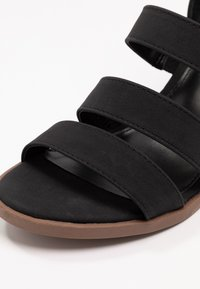 Rubi Shoes by Cotton On - HARRIS STACK HEEL - Sandalias - black - 2