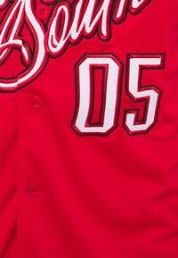 FUBU - ATHLETICS DIRTY SOUTH BASEBALL  - Print T-shirt - red - 2
