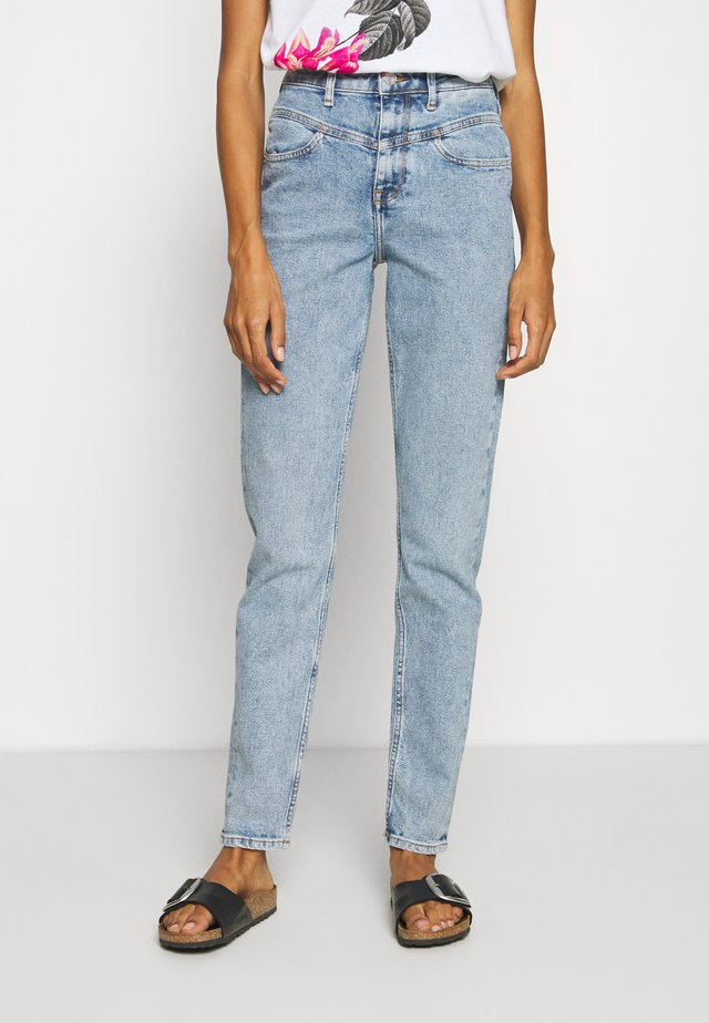 GRAMERCY TAPERED - Jeansy Relaxed Fit - linde
