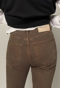 Massimo Dutti - Slim fit jeans - brown - 3
