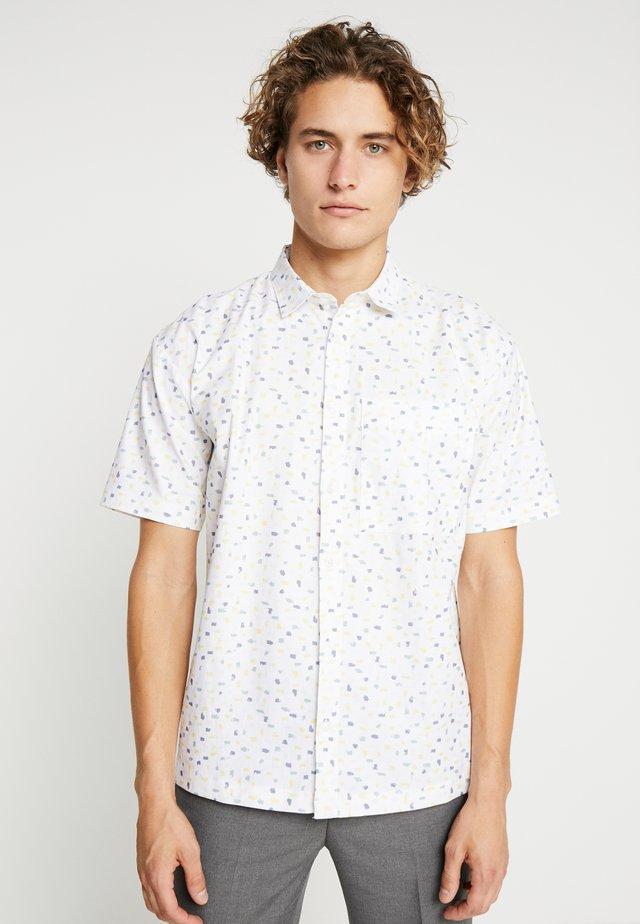 RUNSA DIGI SHIRT - Shirt - white