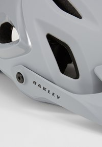Oakley - EUROPE - Helm - grey - 2