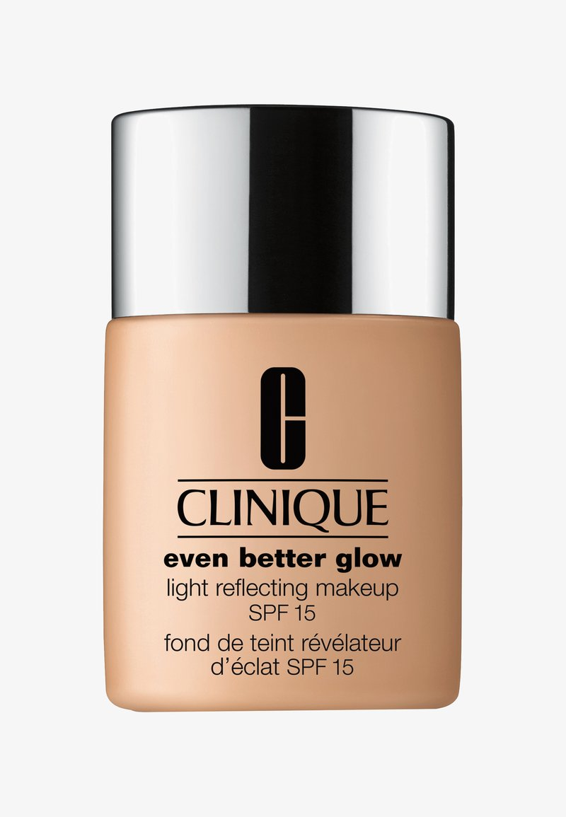 Clinique - EVEN BETTER GLOW SPF15 MAKEUP  - Foundation - -